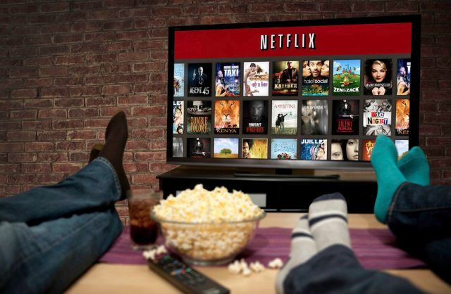 Looking for Holiday movies to watch on Neflix and Amazon this season? Look no further!